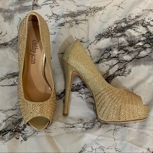 CATHY JEAN GOLD GLITTER OPEN TOES HIGH HEELS